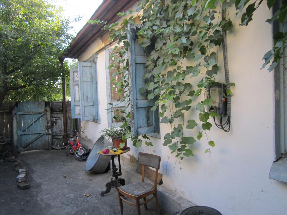 Продам часть дома ( 1/2 ) в Кременчуге. Чередники. 45 кв.м. 4 сотки.