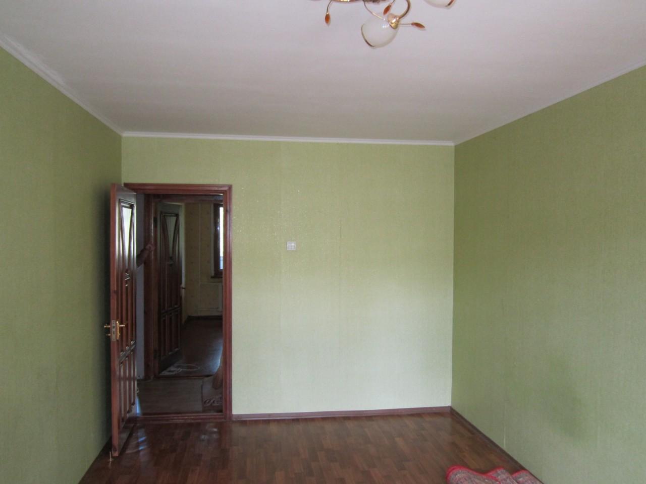 Продам 2х комн. квартиру в Кременчуге. Водоканал. 4/5 пан. 48 кв.м. Частичный ремонт.