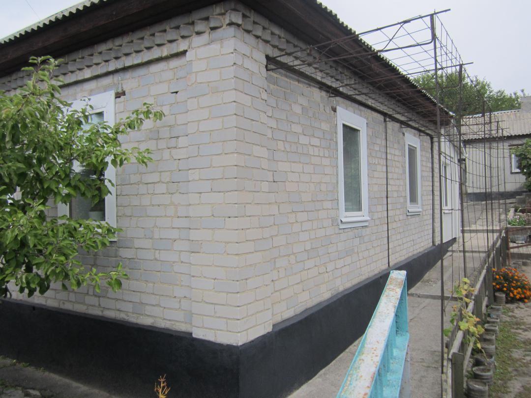 Продам дом в Кременчуге ул.Хорольская. р-н парка Мира. 50 кв.м.+флигель. 8 сот.